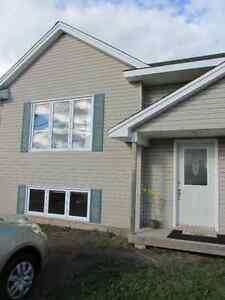 EXCELLENT DUPLEX IN MONCTON