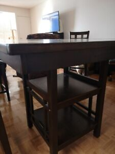PUB STYLE BISTRO TABLE AND 4 CHAIRS