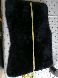 Sheep skin mat rug
