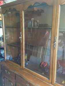 Gorgeous Solid Wood Hutch and Buffet Kitchener / Waterloo Kitchener Area image 2