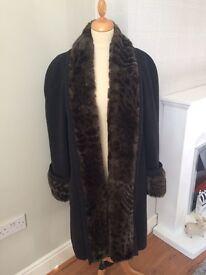 Beautiful Windsmoor Coat. Size 16