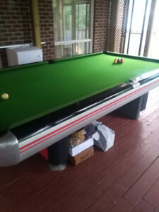 Pro size billiard table