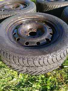 Snow tires with rims - Goodyear Ultra Grip 215/65R16 Cambridge Kitchener Area image 5