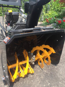 POULIN PRO 2 STAGE SNOWBLOWER LIKE NEW