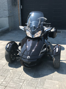 canam spyder ST  limited