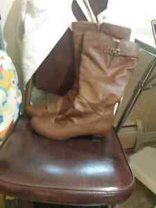 Size 11 Vangelo Donna Tan Boots