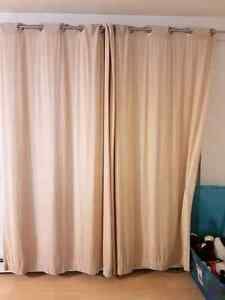 Curtains 4 similar panels and two other pairs of different panel