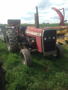 Massey Ferguson 265 with loader and blade