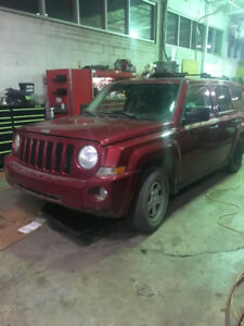 2007 JEEP PATRIOT FOR PARTS NO TRANSMISSION ENGINE IS ADDITIONAL