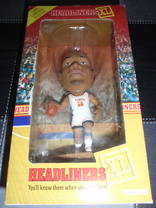 HEADLINERS 1999 LIMITED EDITION MICHAEL OLOWOKANDI FIGURE