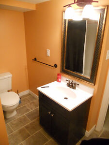 Bachelor/1BDR Apt in Great Uptown Location!