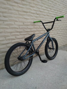 "BMX BIKE """"SUNDAY"""" IN AN EXCELLENT CONDITION"
