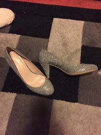 Sparkly heel shoes