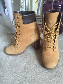 Womens Timberland Boots - size 3