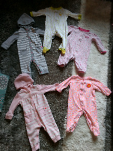5 Pairs of Size 6 Month Baby Sleepers