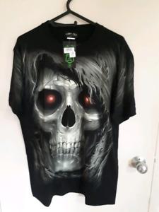 BNWT - skull graphic t shirt