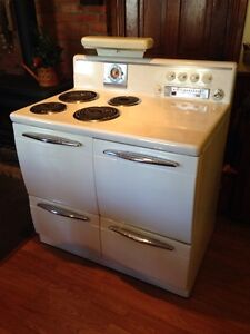 Vintage 1946 Westinghouse Electric Stove