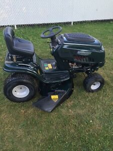 Tracteur a gazon lawn Tractor 17.5 hp yardworks