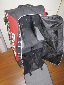 GRIT SENIOR HOCKEY BAG RED STRIPED Great Shape   \