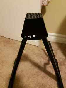 Acoustic guitar stand  $15 London Ontario image 2