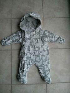 Habit pour le bébé de 3-6 mois