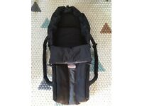 Phil & Teds Newborn Cocoon in Black and Grey - Immaculate Condition