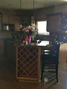Kitchen island get a great deal on a cabinet or counter in alberta kijiji classifieds - Space saving movable kitchen island get efficient kitchen traffic ...