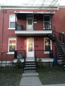 Duplex in Verdun, 3 min walk to metro LaSalle