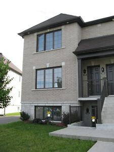 4 ½ for rent, Open Concept Condo Style, Chomedey, Laval