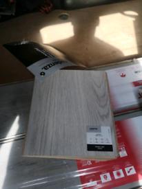Quolity Laminate Flooring Grey