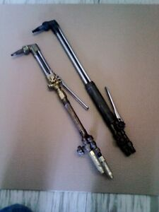 2 Victor Torches