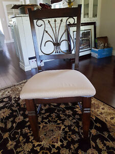 Contemporary Style Dining Room Table/Chairs.. Belleville Belleville Area image 2