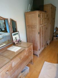 5-piece bedroom furniture wardrobe suite