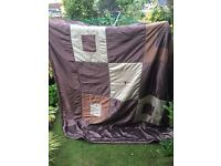 bedspread throw ( extra large ) 92 inches width 102 inches length great condition