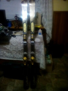 DYNASTAR 158cm Downhill Skis & Poles