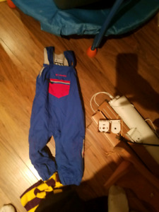 Columbia 24 month snow pants in good condition