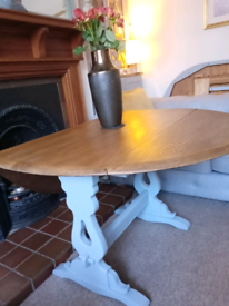 Vintage Oak Dining Table and 6 Chairs