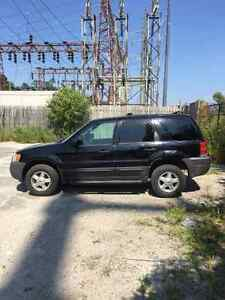 2004 Ford Escape XLS Duratec SUV, Crossover