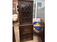Solid wooden corner unit with lock and key
