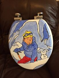 Hand painted slow release toilet seat