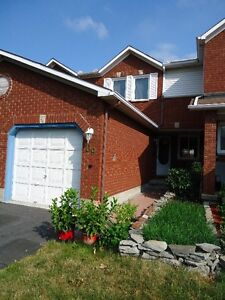 excellent 3 bedroom townhouse available for rent