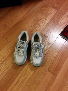 Running Shoes size 8