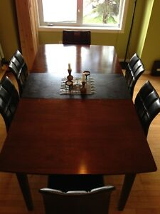 Dining Table w/ Leaf & Six Leather Chairs