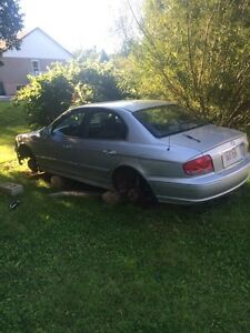 2004 hyundai sonata for parts or rebuild