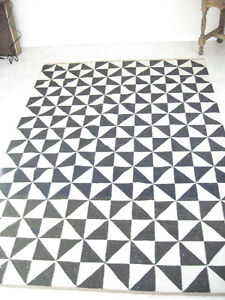 Patterned Rug Strathcona County Edmonton Area image 1