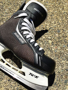 *** BAUER, SIZE MEN 11.5, BLACK AND WHITE SKATES ***