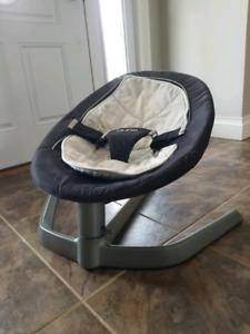 Nuna Leaf baby/infant rocker chair