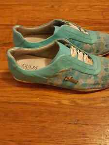 Guess shoes  Stratford Kitchener Area image 2