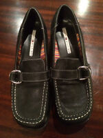 Leather Tommy Hilfiger Womens Shoes sz. 8.5