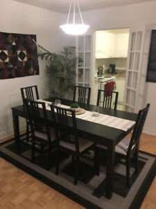 Extendable Ikea table and 6 upholstered chairs - Negotiable